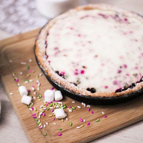 пирог со сметаной и смородиной