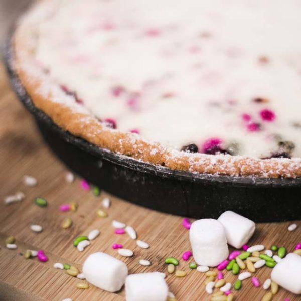пирог с ягодами и сметаной
